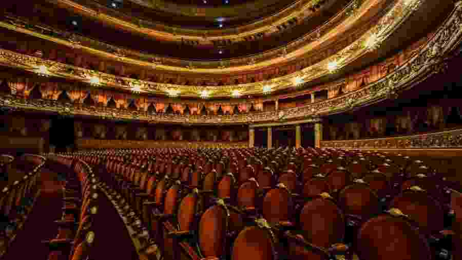 23.abr.2020 - Cadeiras do Teatro Colon, na Argentina - Amilcar Orfali / Getty Images