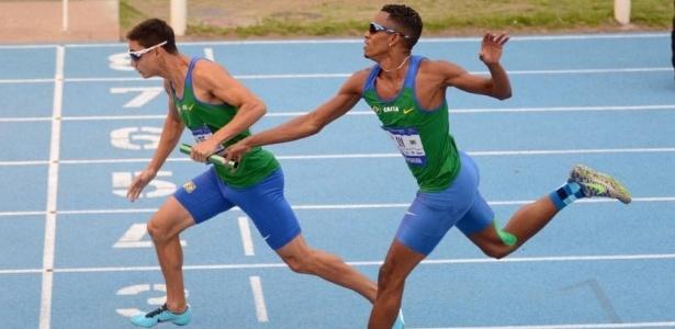 Alexander Russo (esqueda) foi convocado para o Mundial de atletismo a despeito de não ter obtido índice - Reprodução/Facebook