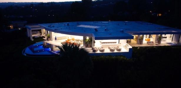 Com 2.136 m², mansão de Notch consegue se destacar mesmo em Beverly Hills, na Califórnia