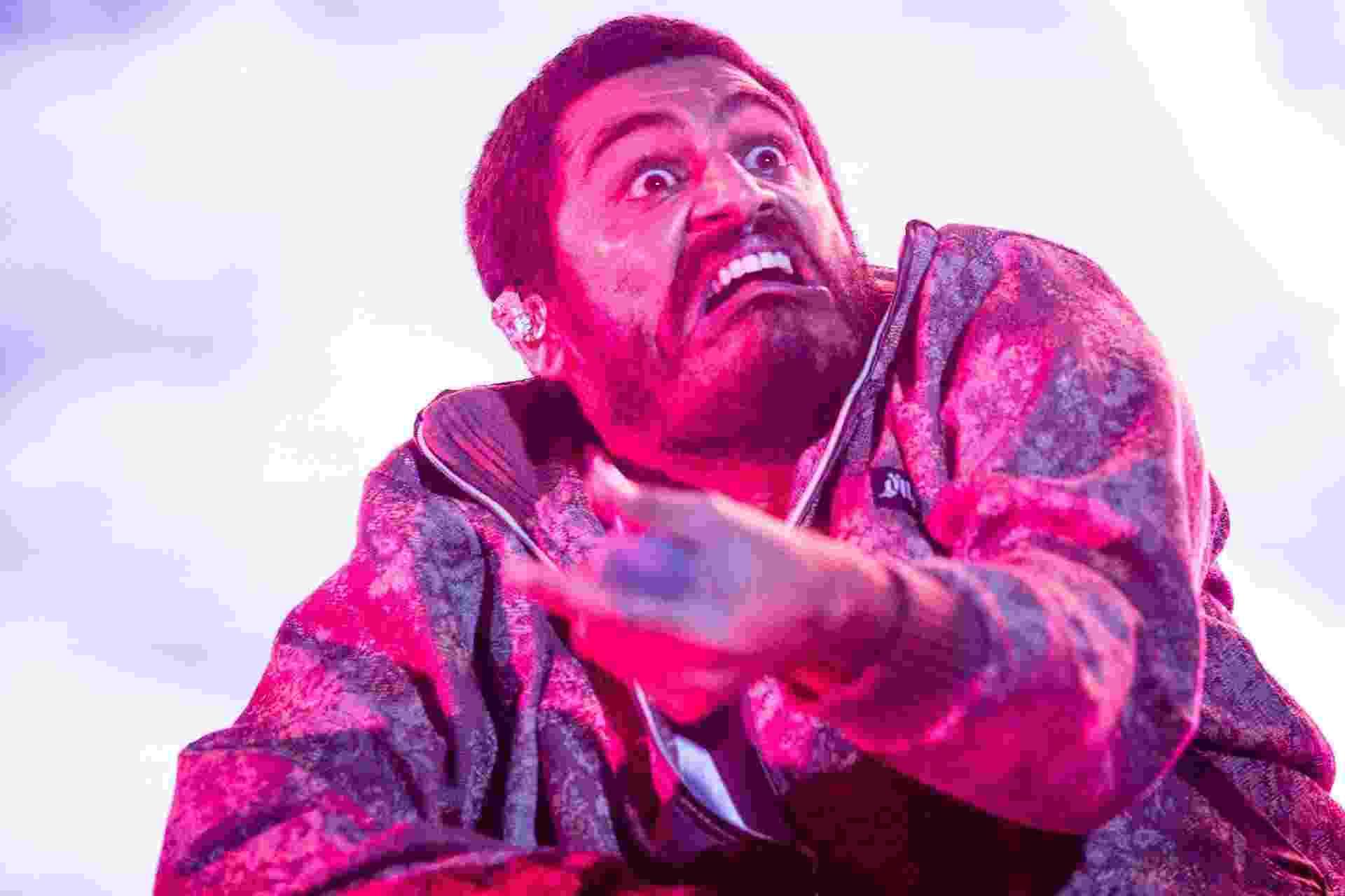 O rapper Criolo se apresentou no Lollapalooza, no Autódromo de Interlagos, e no palco abusou das caras e bocas - Keiny Andrade/Folhapress