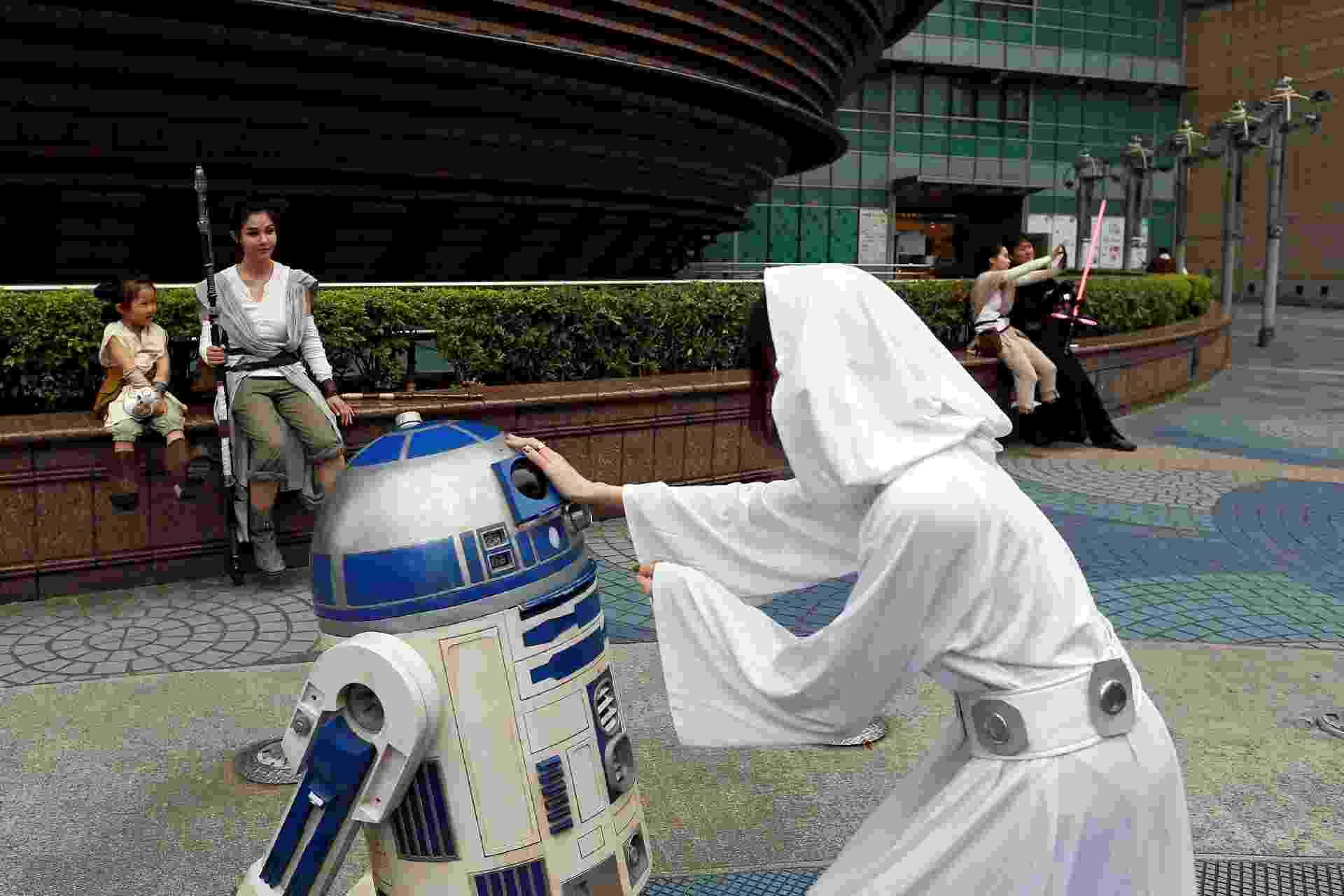 """Fãs vestidos como personagens de """"Star Wars"""" desfilam por Taipei, em Taiwan - Tyrone Siu/Reuters"""
