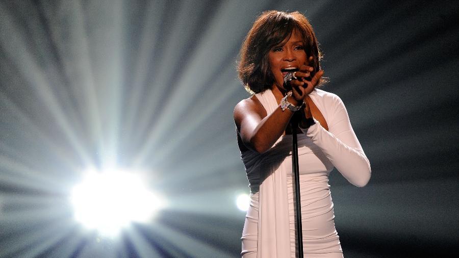 Whitney Houston se apresenta no American Music Awards em novembro de 2009 - Kevork Djansezian/Getty Images