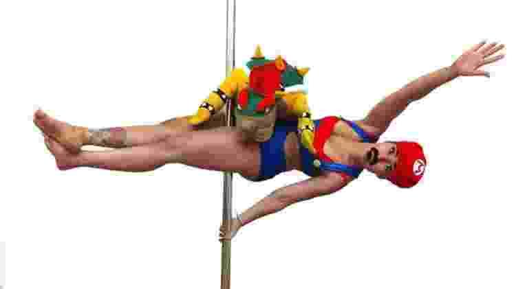 Ex-BBB Jaque Leal mostra elasticidade no pole dance - Divulgação - Divulgação