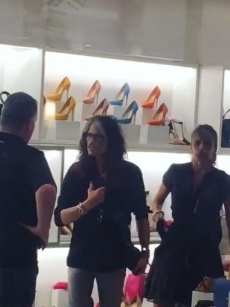 Steven Tyler aproveita dia de folga antes do RiR para fazer compras - Divulgação