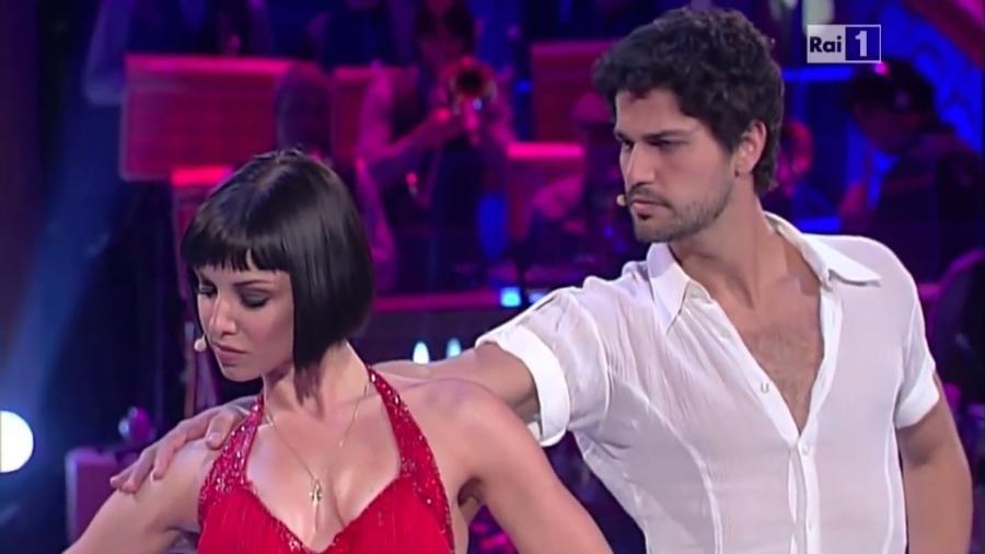 """Bruno Cabrerizo competiu na """"Dança dos Famosos"""" italiana em 2011 - Reprodução/Rai"""