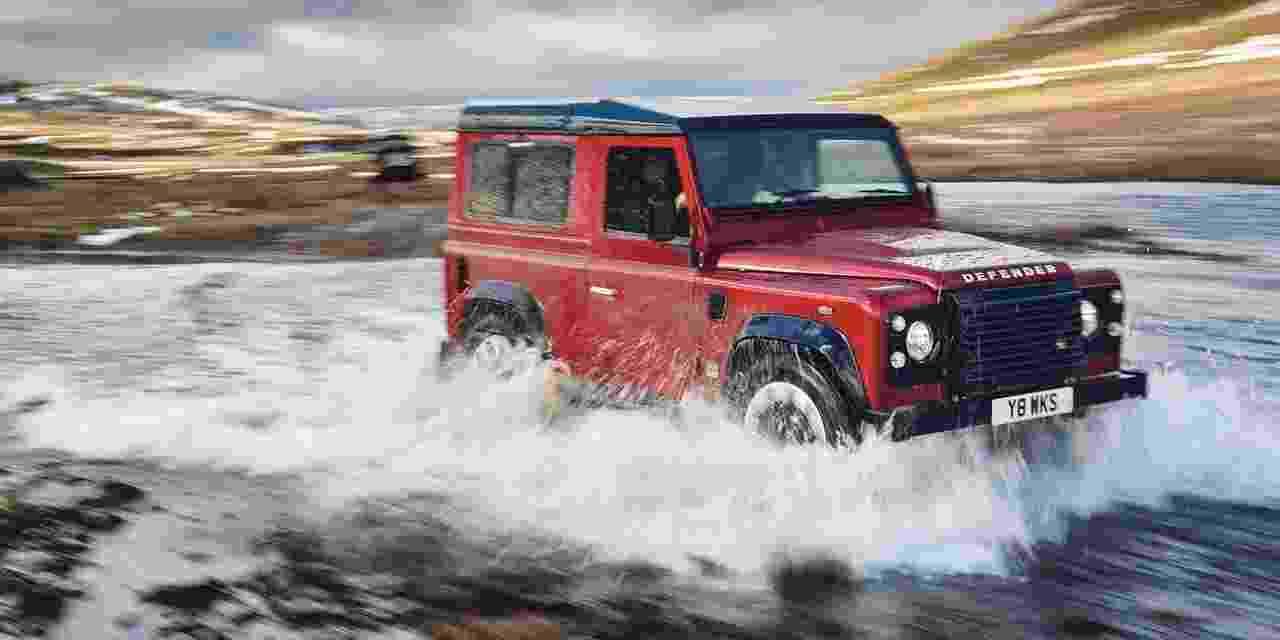 Land Rover Defender Works V8 - Divulgação