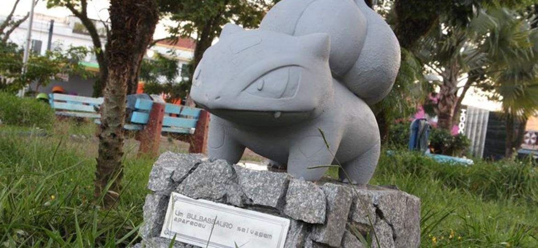 Estátua do Bulbassauro em Suzano/SP -