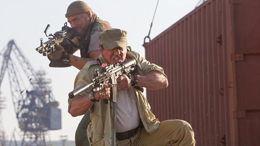 """Sylvester Stallone e Randy Couture em cena de """"Os Mercenários 3"""" - Reprodução"""