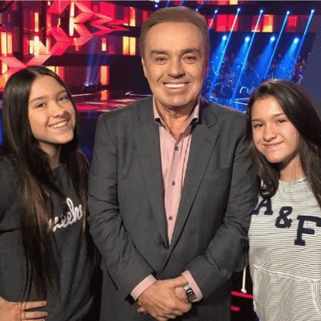 """Gugu Liberato com as filhas no """"Canta Comigo"""" - Reprodução/Instagram"""