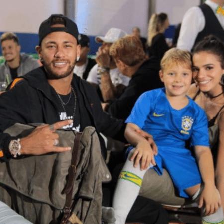 Neymar, Davi Lucca e Bruna Marquezine no aniversário de 7 anos do garoto - Reprodução/Instagram