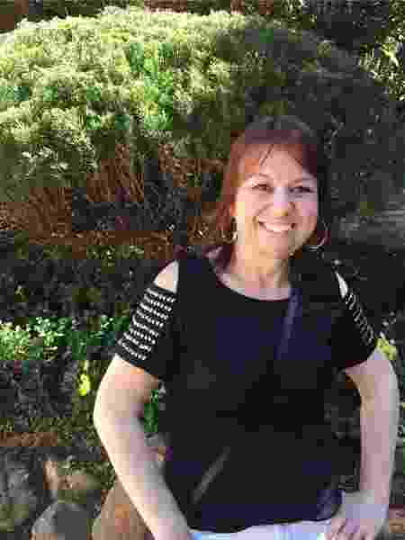 Simone Valente: vizinhas rotulam quem mora sozinha de infeliz - Arquivo pessoal