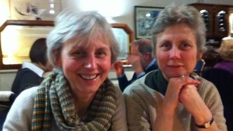 Catherine Utley e sua irmã Ginda moram juntas há mais de 30 anos - Acervo pessoal/BBC