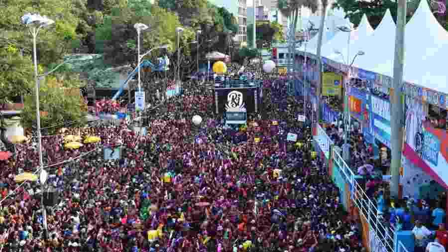 Um dos principais e mais importantes blocos do Carnaval de Salvador, As Muquiranas desfila pelo circuito Campo Grande, em Salvador - Vitor Santos e Kleber Lobo/Ag.FPontes/Divulgação