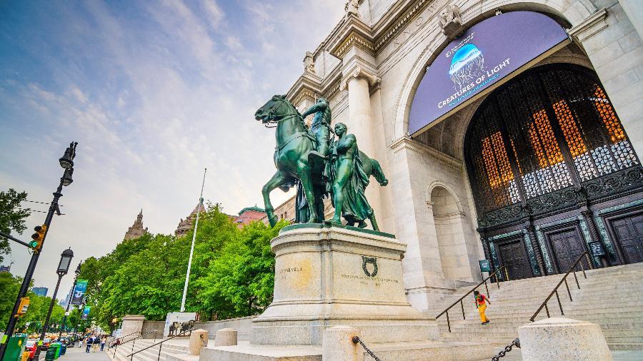 Estátua de Theodore Roosevelt em frente ao Museu de História Natural em, Nova York - Sean Pavone/iStock