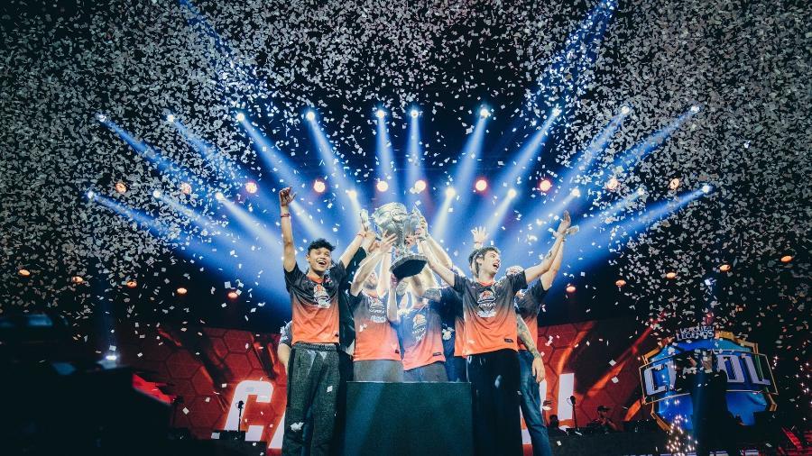 KaBuM comemora o título do CBLoL em 2018, que levou o time pela segunda vez a um Mundial - Divulgação/Riot Games