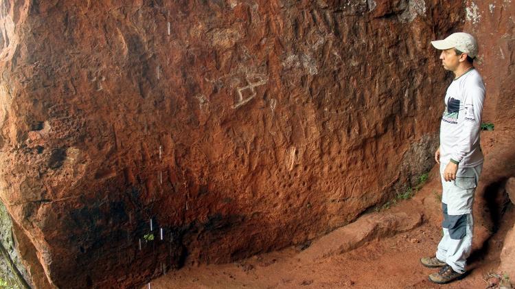 Sítio arqueológico Gruta dos Pezinhos, no Parque Estadual da Serra Azul, em Barra do Garças - Eduardo Vessoni - Eduardo Vessoni