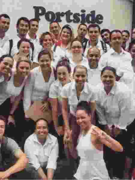 Funcionários do navio onde Marcelo trabalhou - Arquivo pessoal - Arquivo pessoal