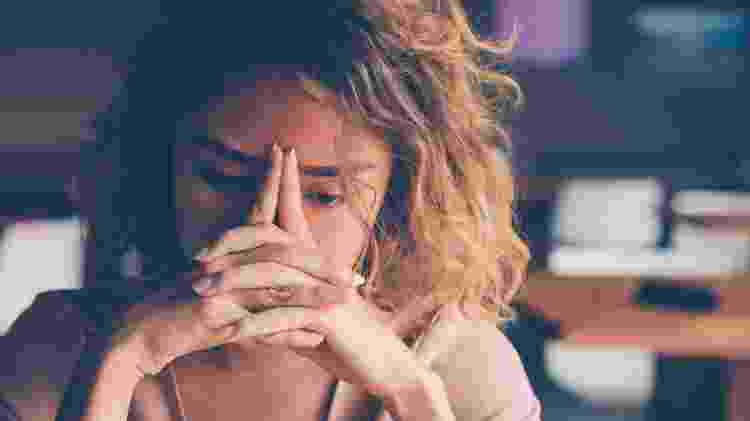 desilusão amorosa, cansaço, exaustão, burnout - iStock - iStock