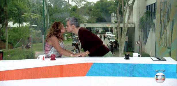 """Susana Vieira e Otaviano Costa trocam selinho no """"Vídeo Show"""" - Reprodução/TV Globo"""