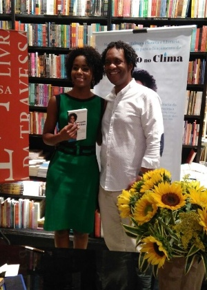 Maju Coutinho lança livro no Rio de Janeiro e posa com o marido, Agostinho Moura - Marcela Ribeiro/UOL
