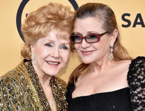 Carrie Fisher e a mãe, Debbie Reynolds, em 2015