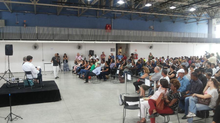 O secretário de Cultura de São Paulo André Sturm participa de encontro com a população no Centro Cultural da Juventude da Vila Nova Cachoeirinha - Jotabê Medeiros/UOL