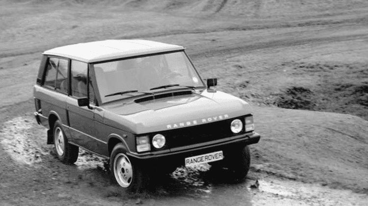 """Para a Land Rover, Range Rover inaugurou segmento SUV (veículo utilitário esportivo), em 17 de junho de 1970, dando um salto em relação aos simples """"utilitários"""" de então. Exagero ou não, certo é que o modelo criou o luxo para a categoria - British Motor Industry Heritage Trust/Divulgação"""
