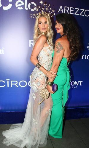 17.fev.2017 - Yasmin e Luisa Brunet Baile da Vogue
