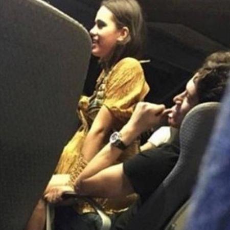 Bruna Marquezine volta para casa sentada em colo de amigo, em Nova York  - Reprodução/Instagram