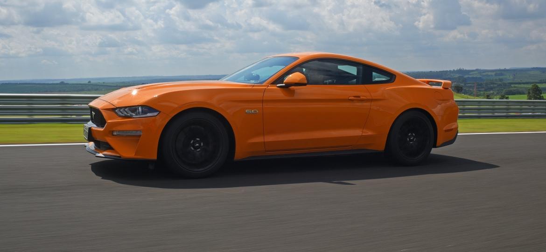 Ford Mustang foi o esportivo mais vendido no mês passado, segundo dados da Fenabrave - Murilo Góes/UOL