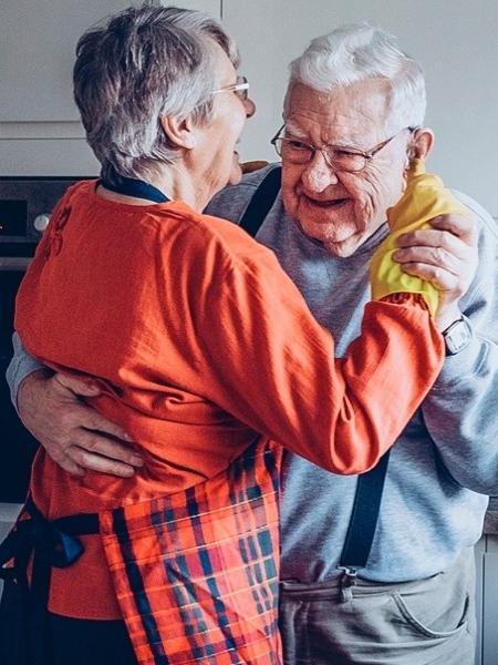 De acordo com especialistas, alguns cuidados podem ser tomados para envelhecer de forma saudável - iStock