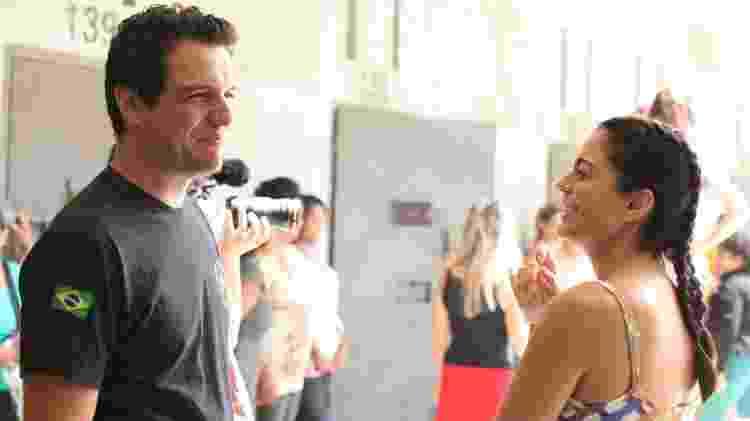 "Rodrigo Lombardi e Carol Castro nos bastidores de ""Carcereiros"" - Beto Brandt/TV Globo - Beto Brandt/TV Globo"