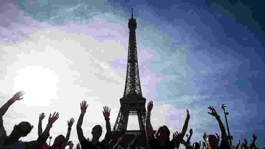 """""""La Parisienne"""": a corrida para mulheres da capital francesa - AFP"""