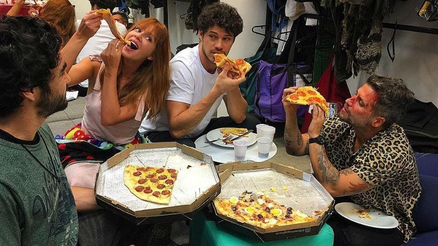 Caio Blat, Marina Ruy Barbosa, José Loreto e Bruno Gagliasso nos bastidores de novela - Reprodução/Instagram