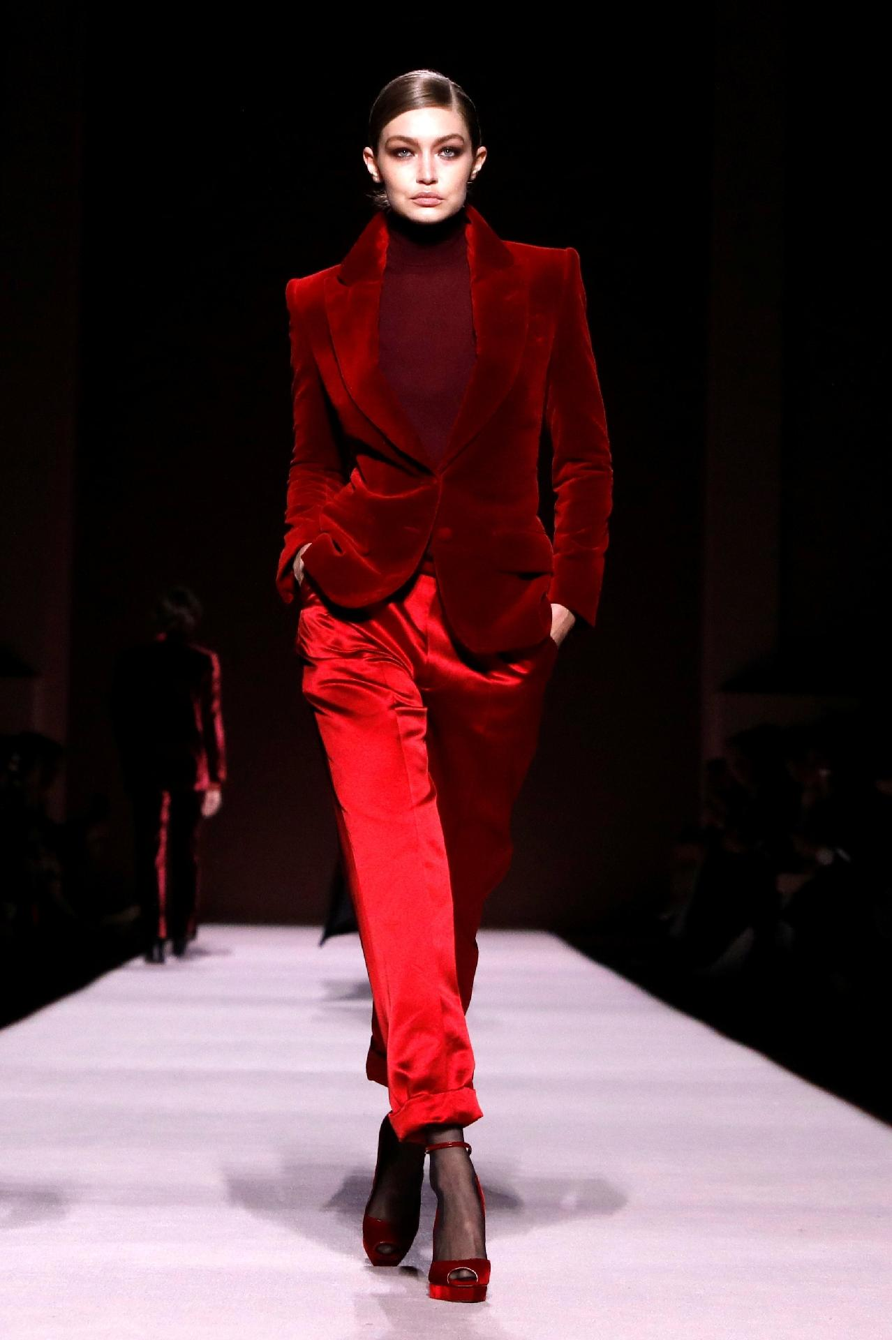 d32b8ed210 Tom Ford abre uma Nova York Fashion Week com poucas atrações - 07/02 ...
