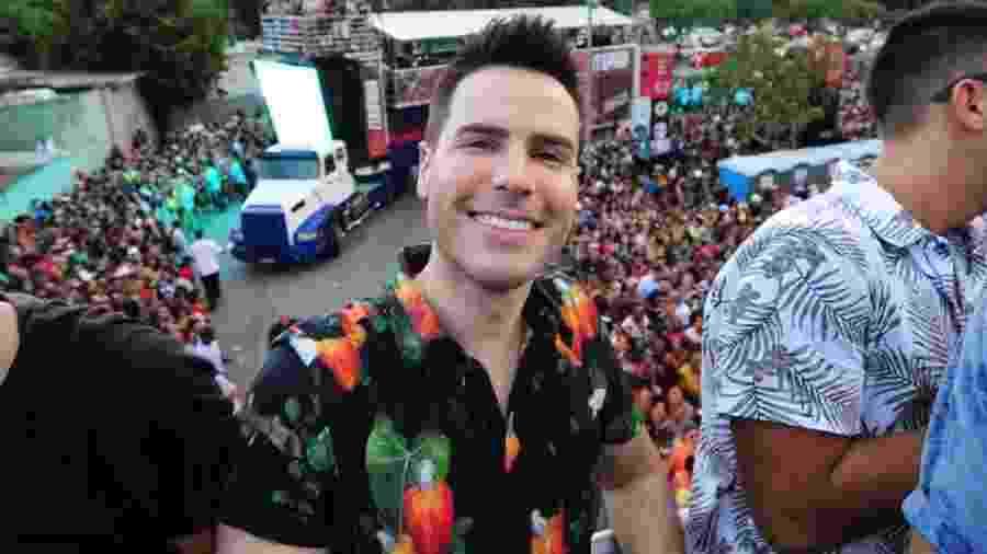 Luiz Bacci curte o pré-Carnaval no Anhembi, em São Paulo - Junior Lago/UOL