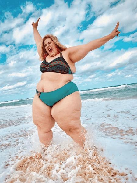 62d351789 Marca traz modelo plus size em campanha e é acusada de promover obesidade