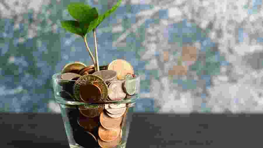 Dinheiro em março - Micheile Henderson/Unsplash