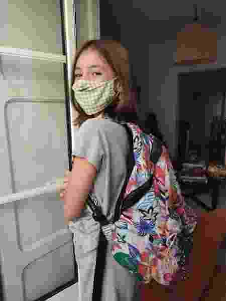 Em Lisboa, Janaína, de 11 anos, vai à escola de máscara e os colegas são divididos em bolhas - Acervo pessoal
