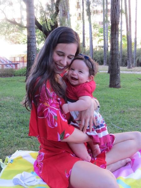 Ana Luísa Silva obteve o direito de transferência universitária para ter ajuda da família nos cuidados com a filha, Lara - Arquivo pessoal