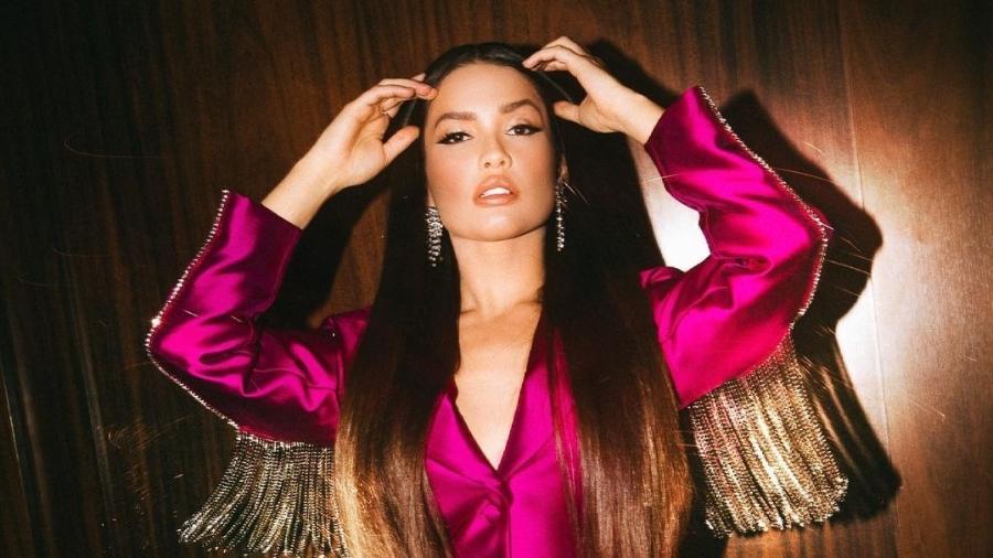 Juliette usa vestido blazer na live com Xand Avião  - Reprodução/Instagram