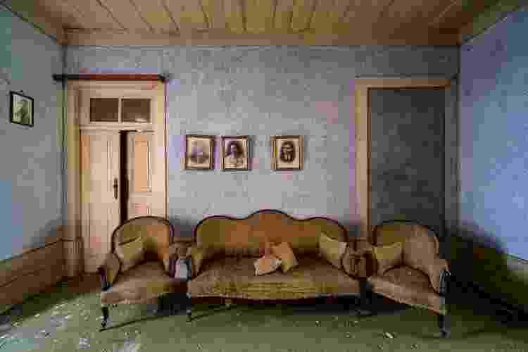 Interior de um palácio abandonado - André Ramalho - André Ramalho
