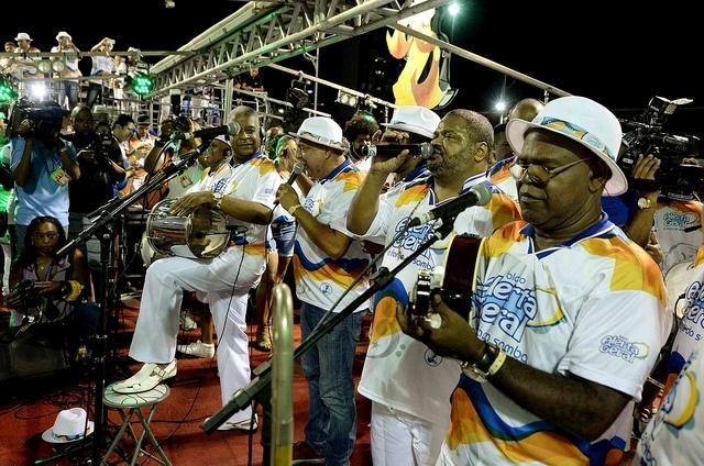 Arlindo Cruz contagia o público do Carnaval de Salvador