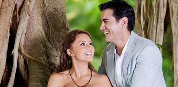 """Elisa (Angelique Boyer) e Damião (David Zepeda) são os protagonistas da novela """"Abismo de Paixão"""" - Divulgação"""