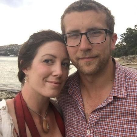 Anna e Terry... e o colar - Reprodução/YouTube