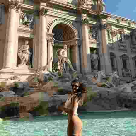Ex-BBB Vivian Amorim faz pedido na Fonte de Trevi em Roma - Reprodução/Instagram Vivian Amorim