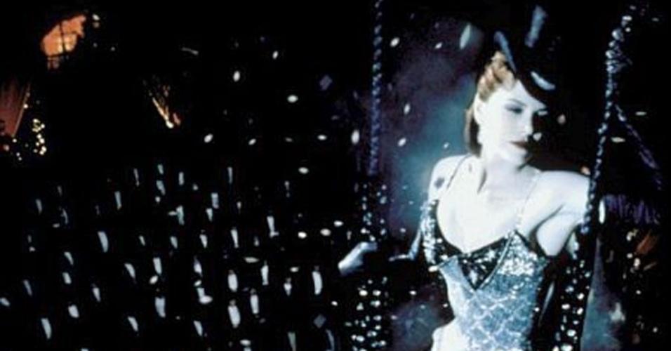 """Nicole Kidman em cena de """"Moulin Rouge: Amor em Vermelho"""" (2001)"""