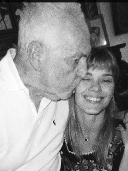 Carolina Dieckmann usou as redes sociais para homenagear o avô, que faleceu aos 90 anos - Reprodução/Instagram