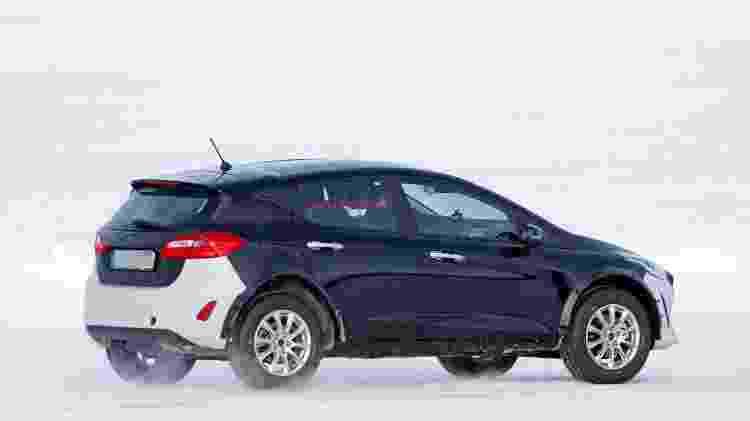 Mula da próxima geração do Ford EcoSport com carroceria de Fiesta (traseira) - CarPix/Autoblog - CarPix/Autoblog