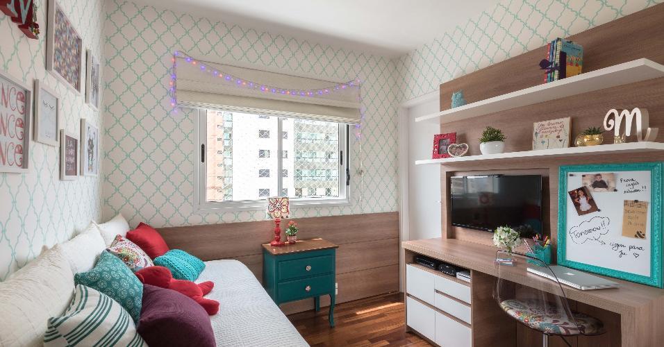 A transição da infância para a adolescência norteou a reforma deste quarto projetado pela designer de interiores Erika Tofani